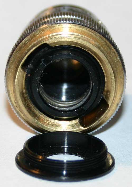 Ремонт объектива ЛОМО АПО 40х0.95, выкручиваем заднее антибликовое кольцо
